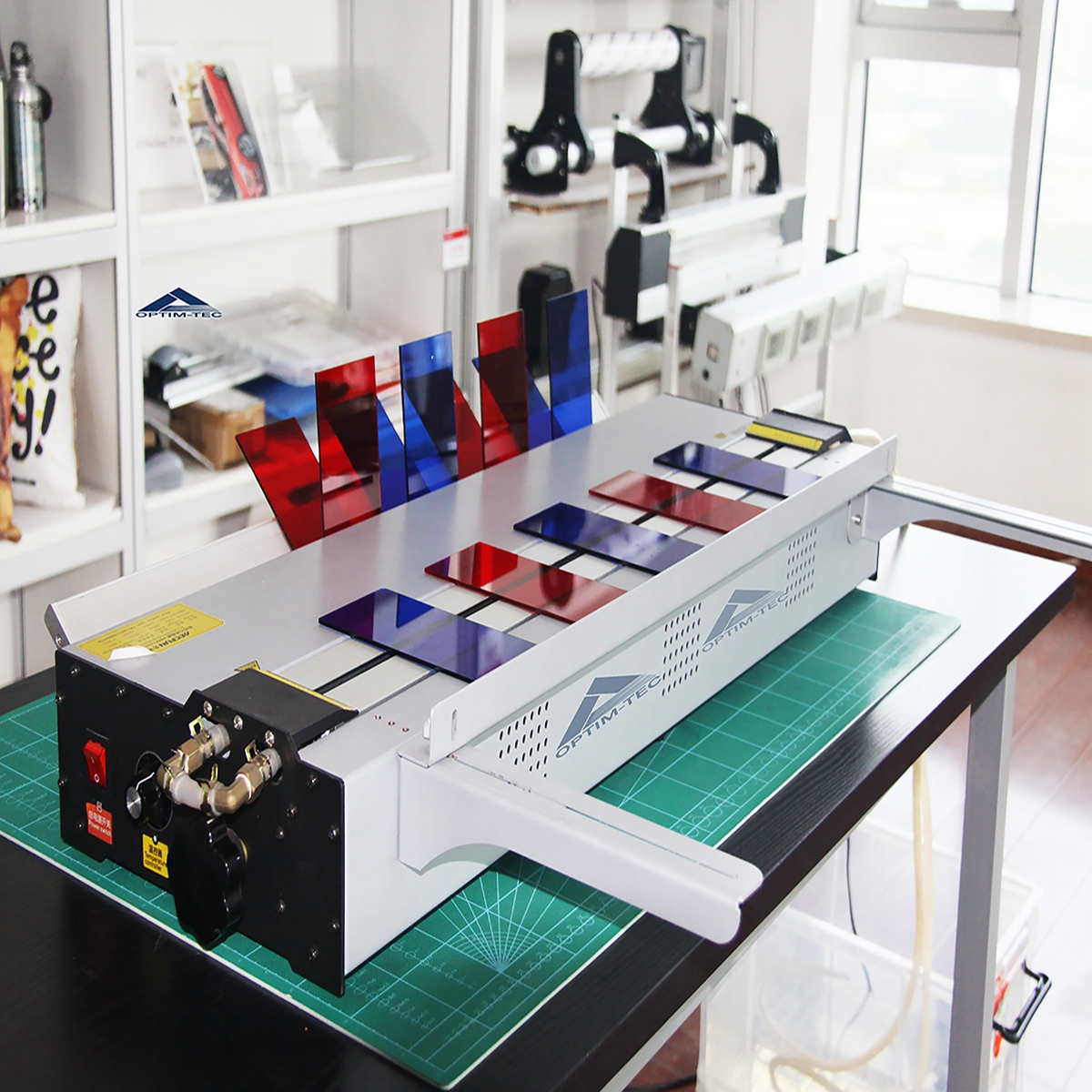 This acrylic bending machine is your best friend on your business